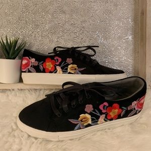 Skechers Floral Embroidered Black Sneakers